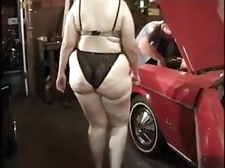 Jamie Monroe slut mom ganbang in garage