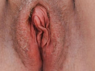 Pussy play at the beach (with orgasm)
