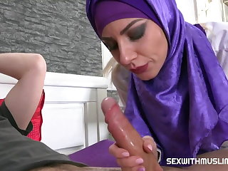 CZECH MUSLIM BITCH NATHALY CHERIE LOVES SHOPPING Nathaly Cherie
