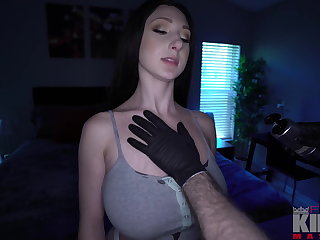Skylar Vox Gets Deep Tissue Hard Dick Oiled Massage