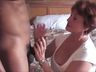 Cuckold Very hot mature lady fucked by bbc gets a facial